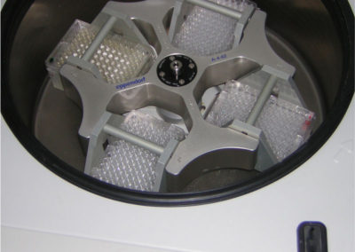 Plate-centrifuges